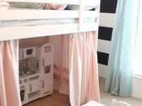 Кукольный дом под кроватью