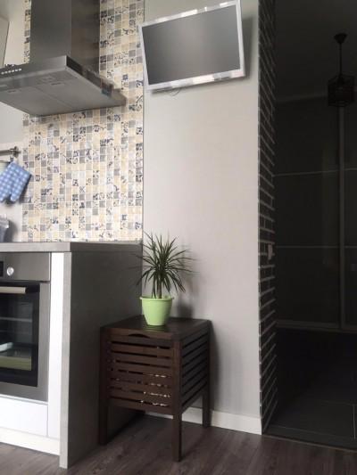 Stool-box MOLGER en el interior de la cocina