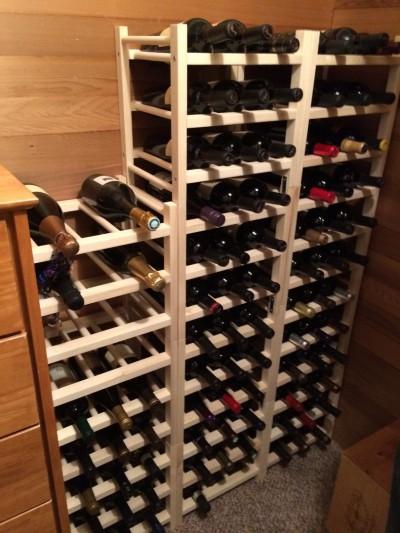 Der Weinkeller der Träger für Flaschen Hutten