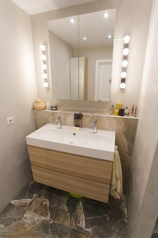 Salle de bain de style IKEA