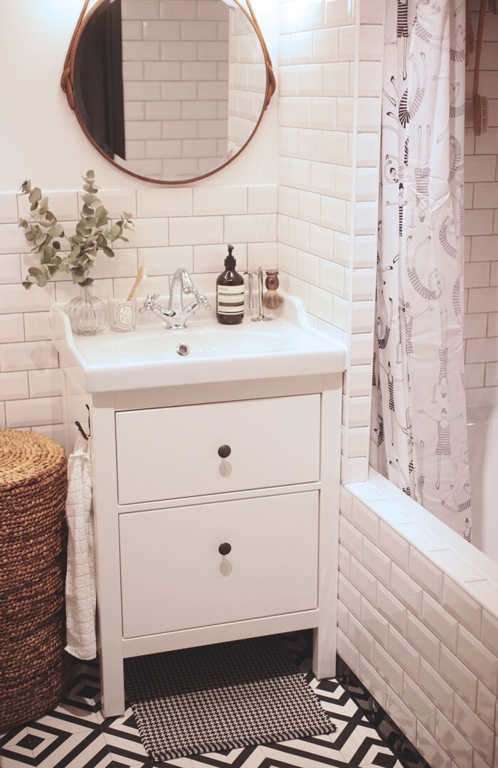 Парижская ванная комната в скандинавском стиле и с японской душой