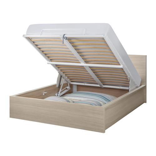 МАЛЬМ Кровать с подъемным механизмом - 140x200 см, дубовый шпон, беленый