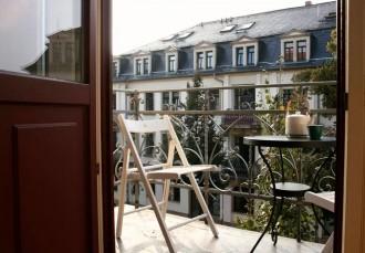 IKEA auf dem Balkon von Dresden gast Foto