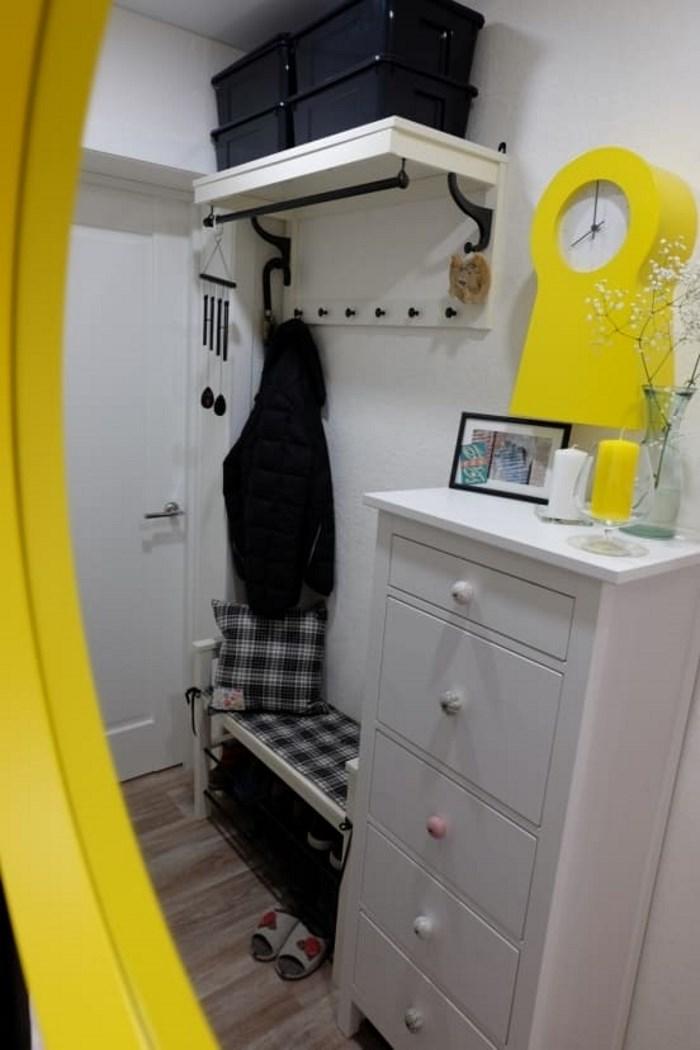 kleine gem tliche halle viel ikea und ein wenig zara home. Black Bedroom Furniture Sets. Home Design Ideas