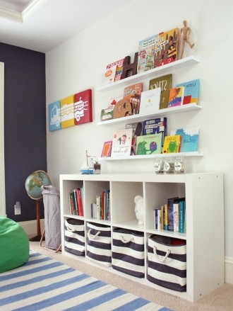 Sala giochi luminosa con IKEA