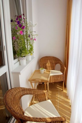 Záhradný nábytok na balkóne Foto
