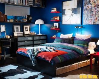 Interior kamar berwarna biru