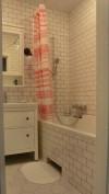 bathroom-in-hog-and-ubiquitous-hemnes-2.jpg