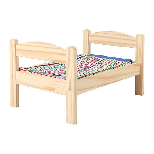 Bed DUKTIG pop met een set beddengoed