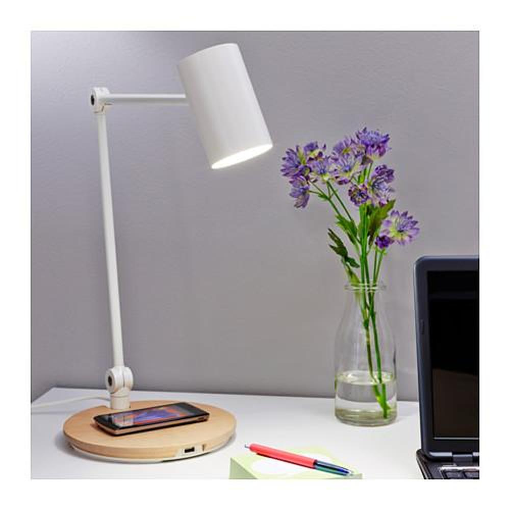 FÖRNYAD lampe enhet for trådløs lading (604.226.86