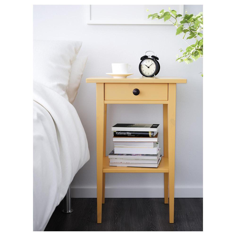 hemnes table de chevet jaune commentaires. Black Bedroom Furniture Sets. Home Design Ideas