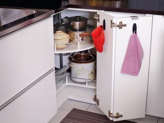 armoire d'angle pour le stockage