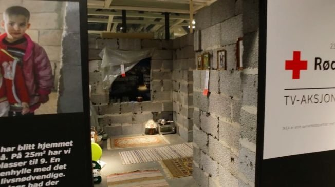 In one of the IKEA store in Norway recreated the destroyed apartment from Syria