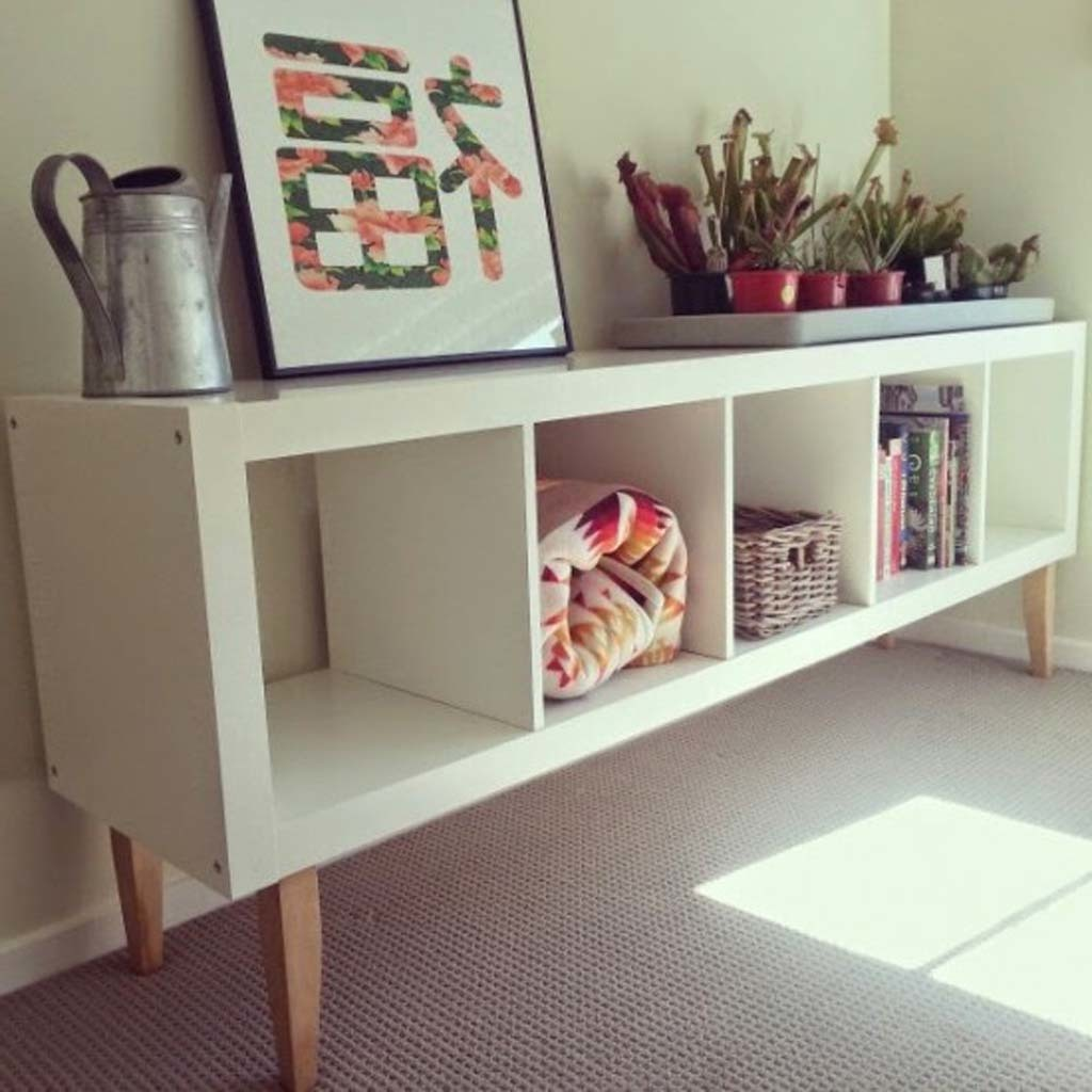 Rack kallax met houten poten - Ikea muebles modulares ...