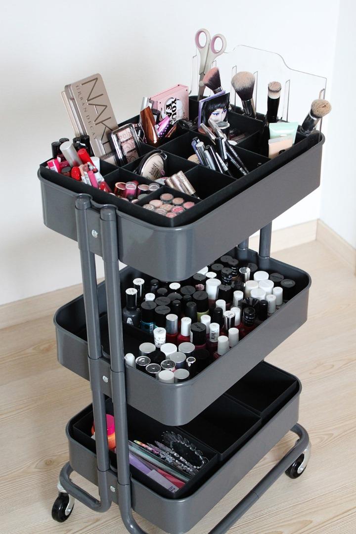 The idea of using trolleys to store cosmetics RASKOG